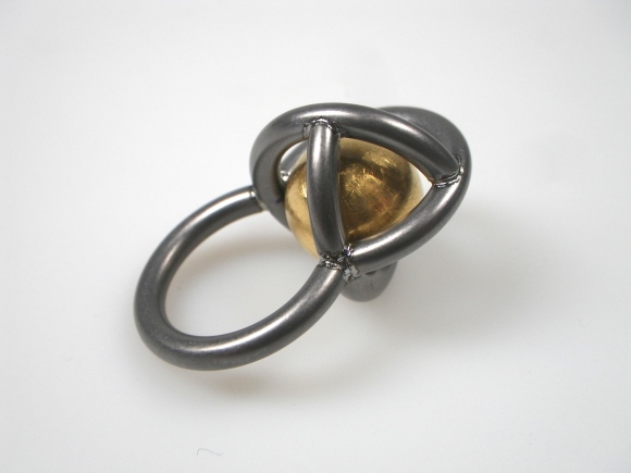 Ring-Ding made from Tantalum and pure gold